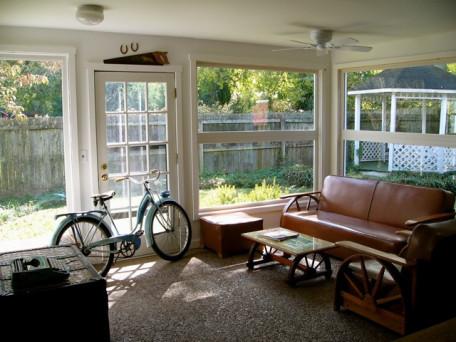 obývák s okny